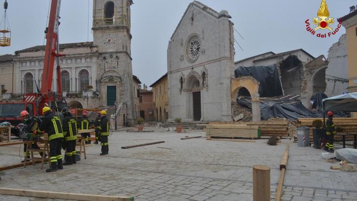 Евросоюз проспонсирует восстановление базилики в Норче, разрушенной землетрясением