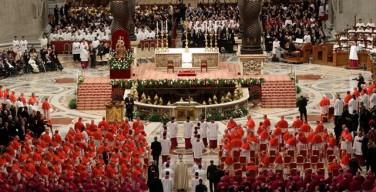 В Ватикане состоялась консистория по возведению в сан 17 новых кардиналов. Папа: не поддавайтесь вирусу враждебности