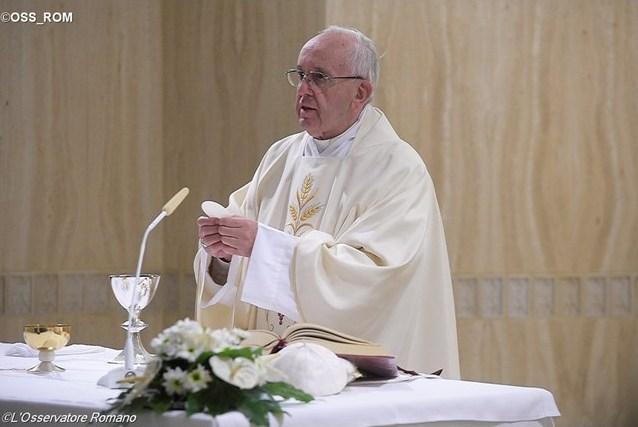 Папа: преодолеть искушение религиозной зрелищности и каждый день лелеять надежду