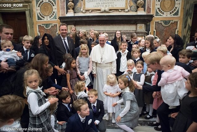 Папа встретился с монаршей семьёй Габсбургов