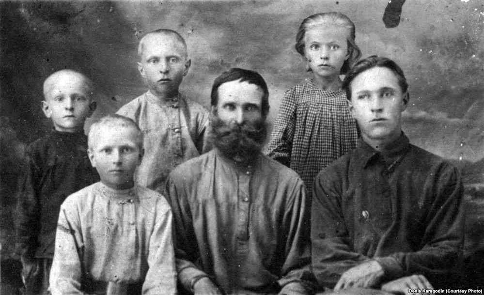 Внучка сотрудника НКВД извинилась перед правнуком расстрелянного им человека