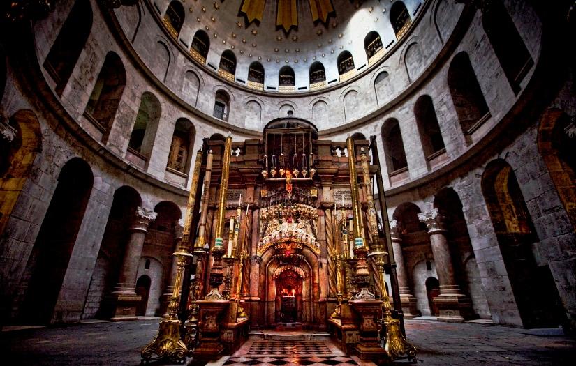 В РПЦ назвали ложными вбросами сообщения о сверхъестественных явлениях при реставрации Гроба Господня