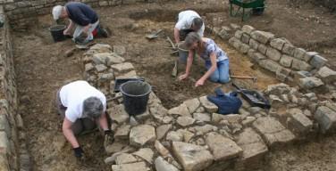 Археологи обнаружили захоронение первых монахов на Британских островах