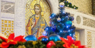 Кураев предложил перенести Рождество на 31 декабря