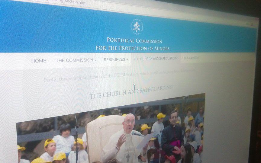 Ватикан запустил специальный сайт, посвященный защите детей от педофилов