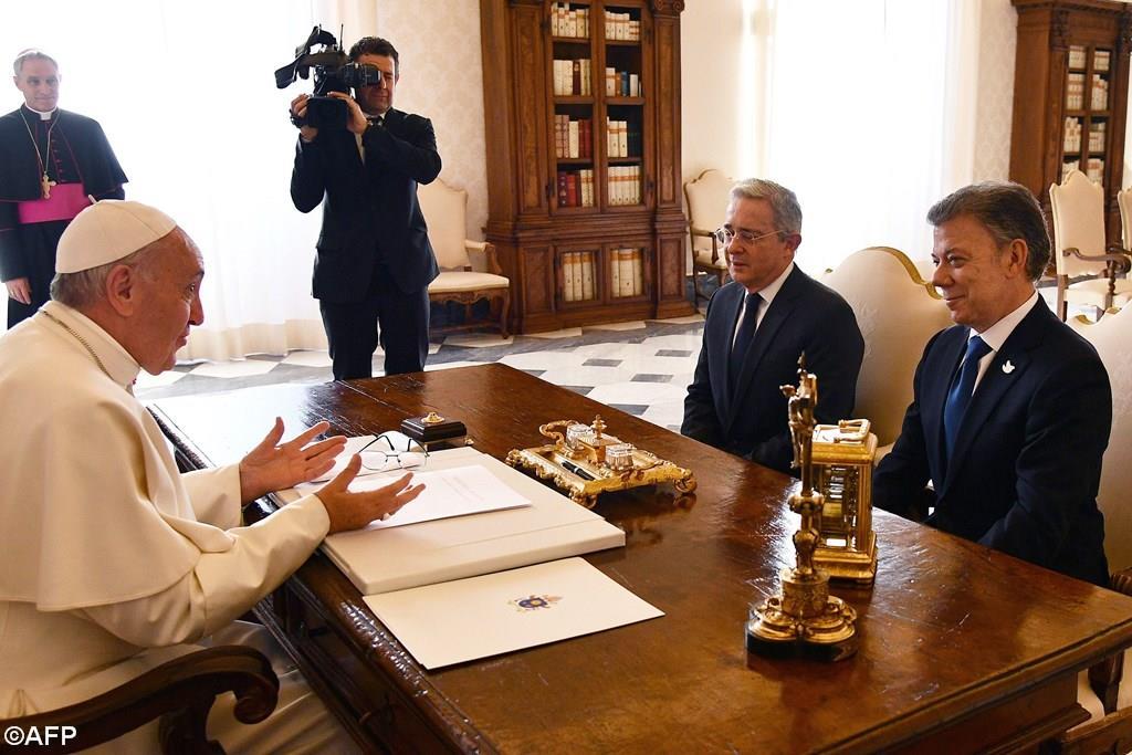 Папа встретился с президентом и экс-президентом Колумбии