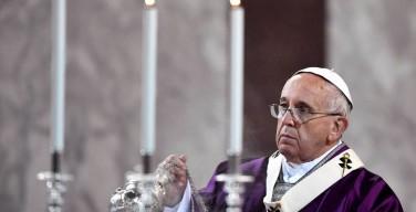Папа: клерикализм отдаляет людей от Церкви