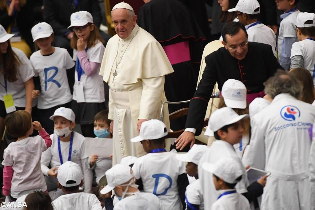 Папа: Иисус не объяснил причину наших страданий, но показал их смысл
