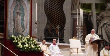 Папа: вера Пресвятой Богородицы открывает глаза слепому обществу