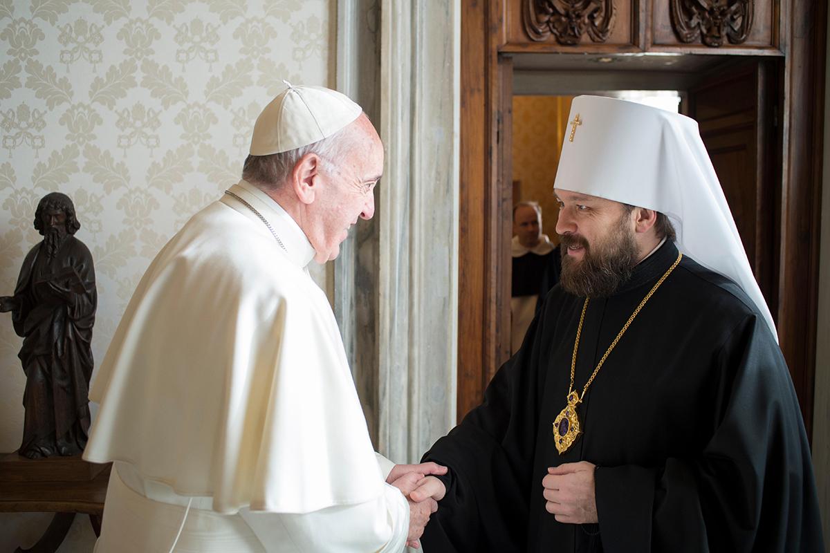 Папа Франциск встретился с митрополитом Волоколамским Иларионом