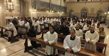 Папа: священники должны быть настоящими отцами