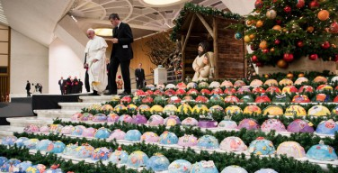 Папа: в Рождественских яслях мы видим драму мигрантов