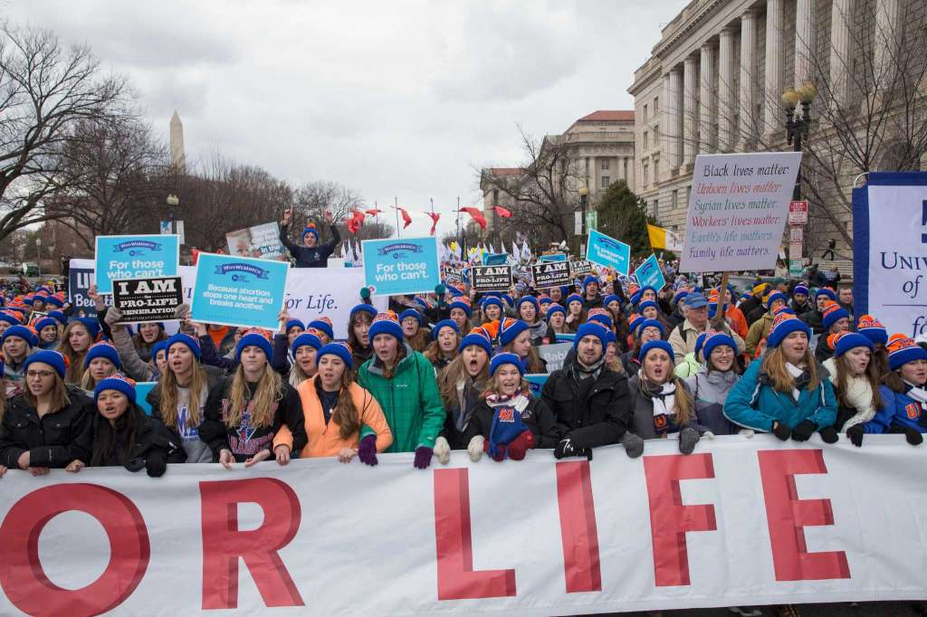 Трамп и Пенс поддержали участников марша против абортов