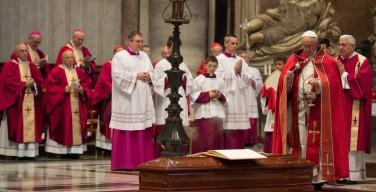 Папа проводил в последний путь почившего кардинала Джильберто Агустони