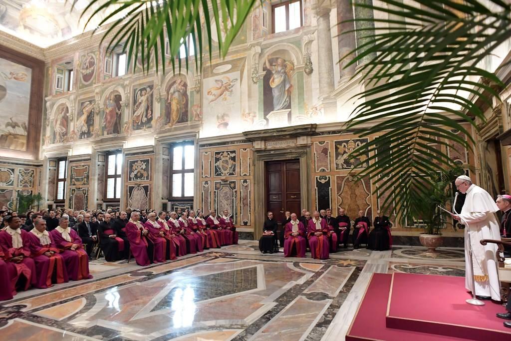 Папа: необходим «новый катехуменат» для вступающих в брак и постоянное сопровождение молодых супругов