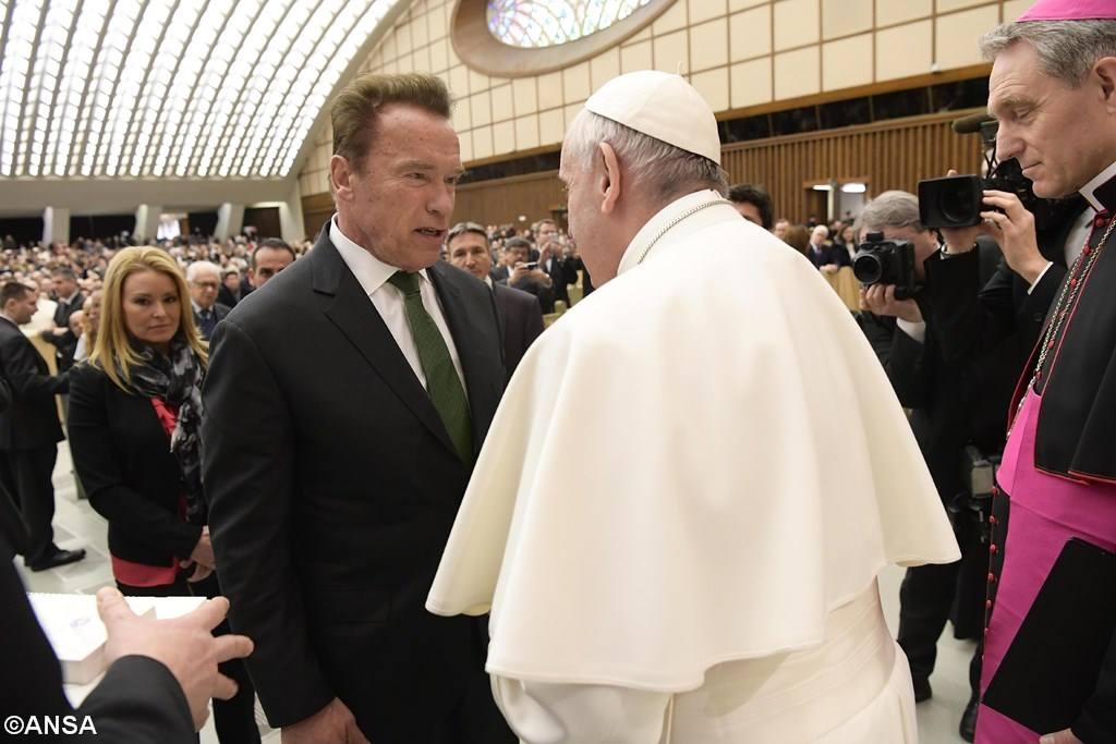 Папу Франциска поприветствовал Арнольд Шварценеггер (ФОТО)