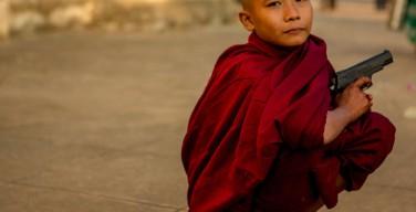 На Шри-Ланке группа буддистов полностью уничтожила протестантскую церковь