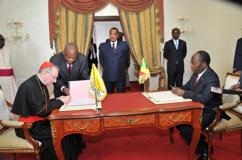 Подписано рамочное соглашение между Демократической Республики Конго и Католической Церковью