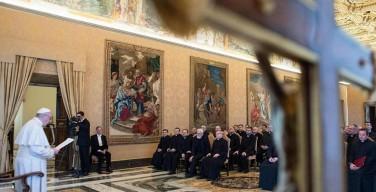 Папа — отцам-марианам: Церковь должна быть ближе к простым людям