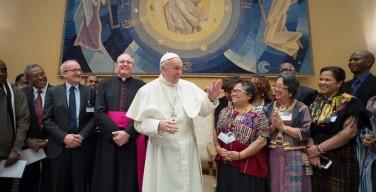 Папа: правительства должны содействовать всестороннему участию коренных народов в общественной жизни