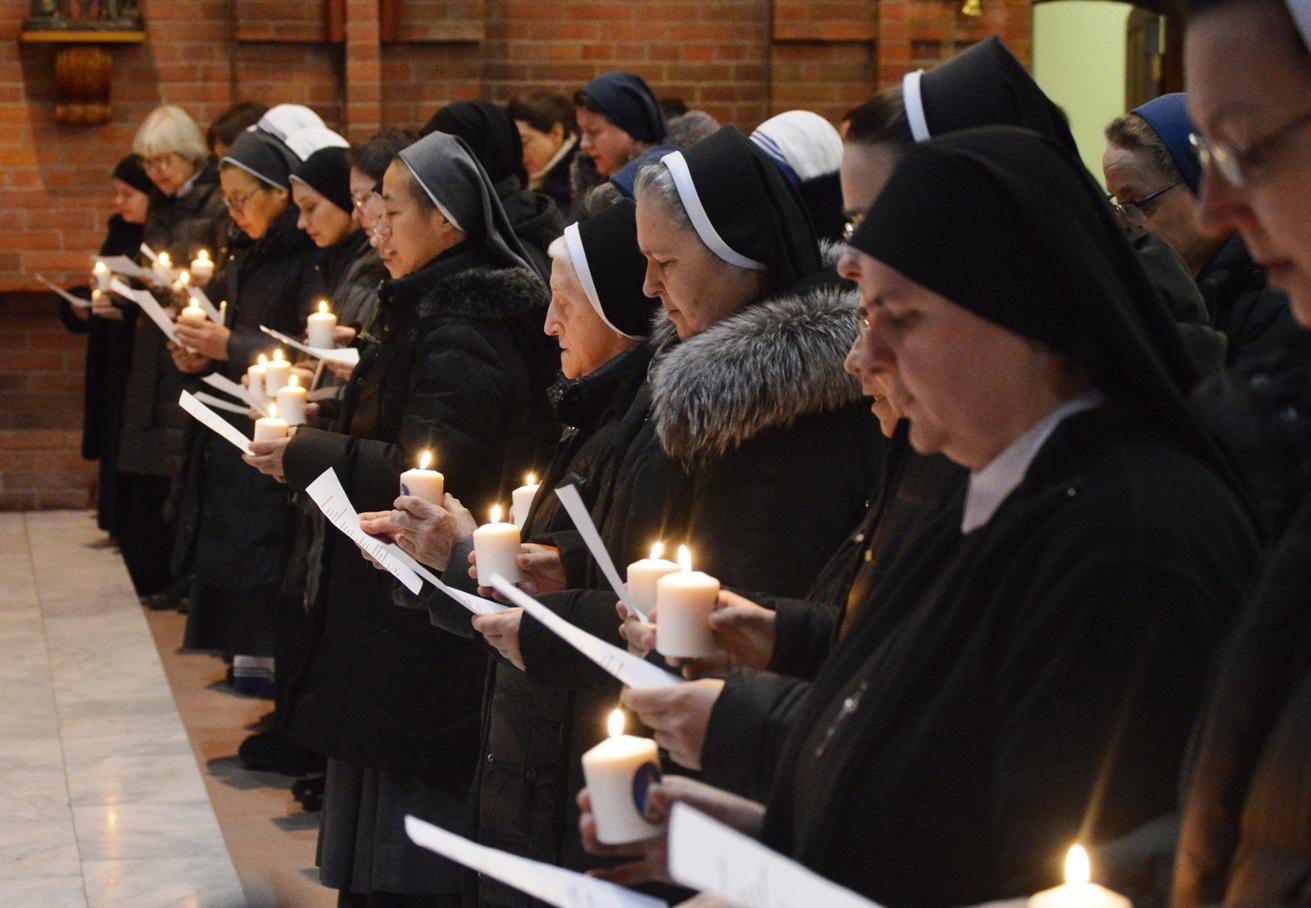 Месса Сретения Господня в Кафедральном соборе Новосибирска – кульминация встречи сестер-монахинь, служащих в Преображенской епархии