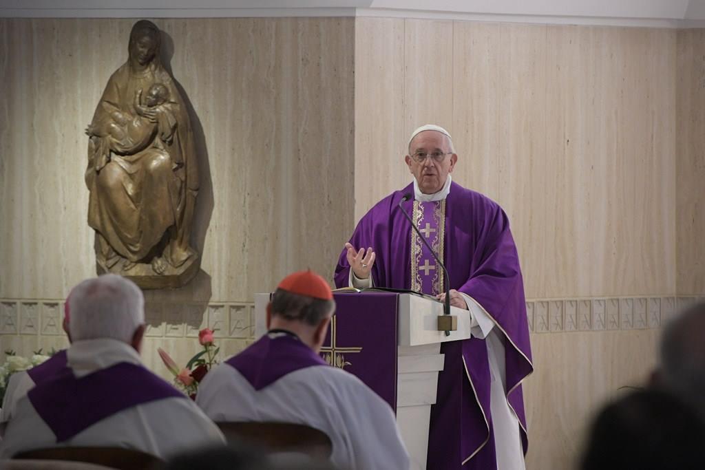 Папа: безразличие к бедным ведёт к духовному разложению
