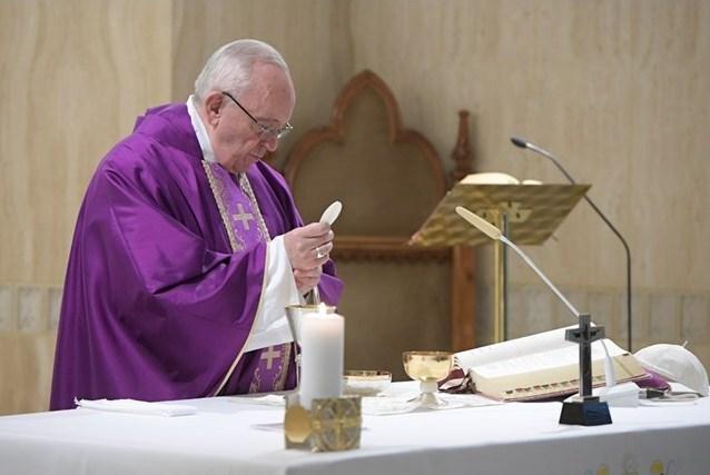Папа: обращение — это добро на деле, а не на словах