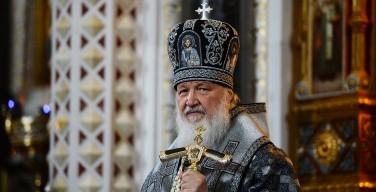 В день 100-летия отречения императора патриарх помолился о жертвах революции и гражданской войны в России