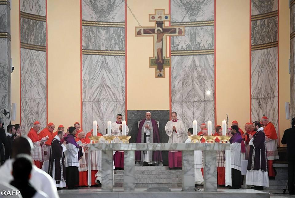 Папа в римской базилике Санта-Сабина: Великий Пост помогает бороться с духовным удушьем
