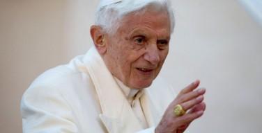 На пороге своего 90-летия Бенедикт XVI сохраняет хорошую форму – секретарь почетного Папы