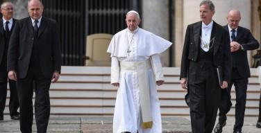 Папа: лишать людей работы — это тяжкий грех