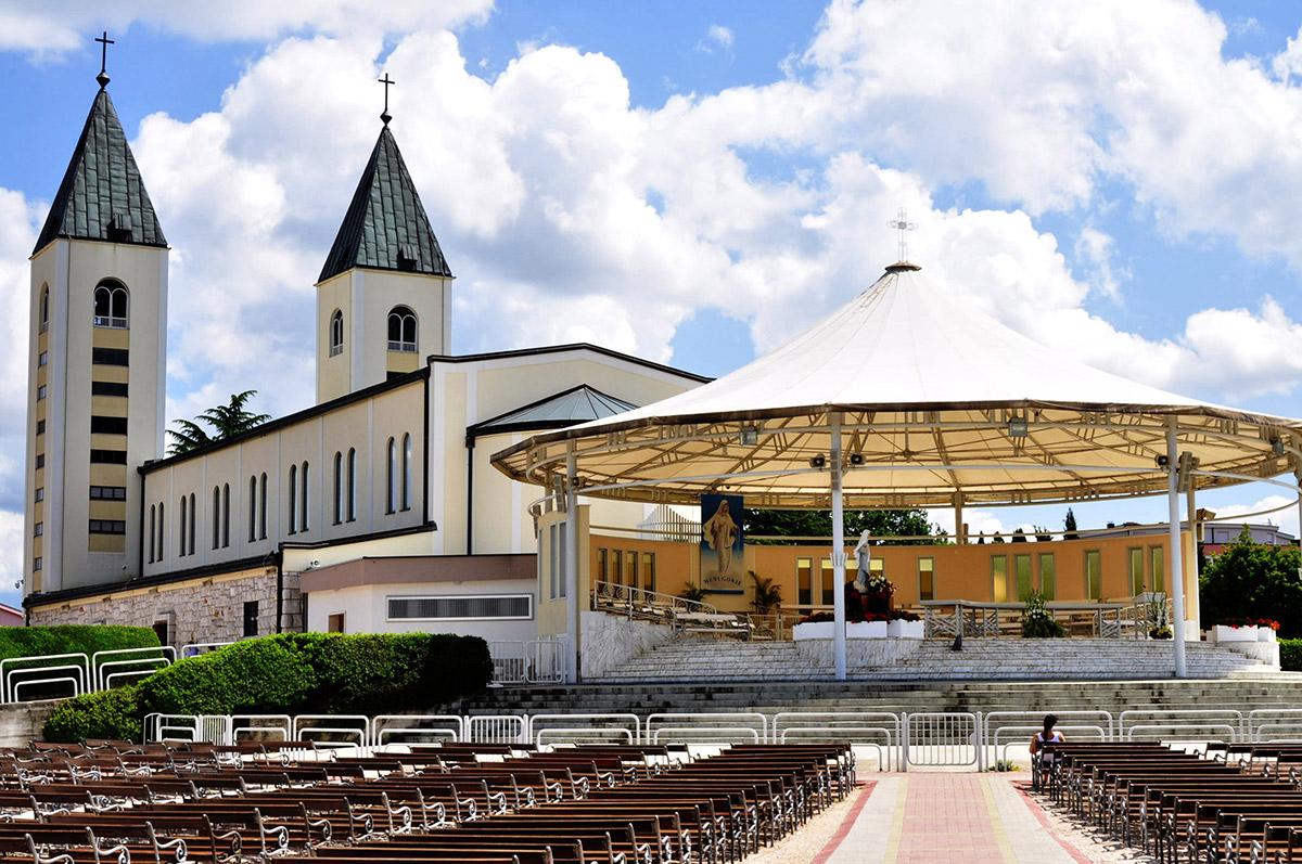 Никаких явлений Богоматери в Меджугорье не было – местный епископ