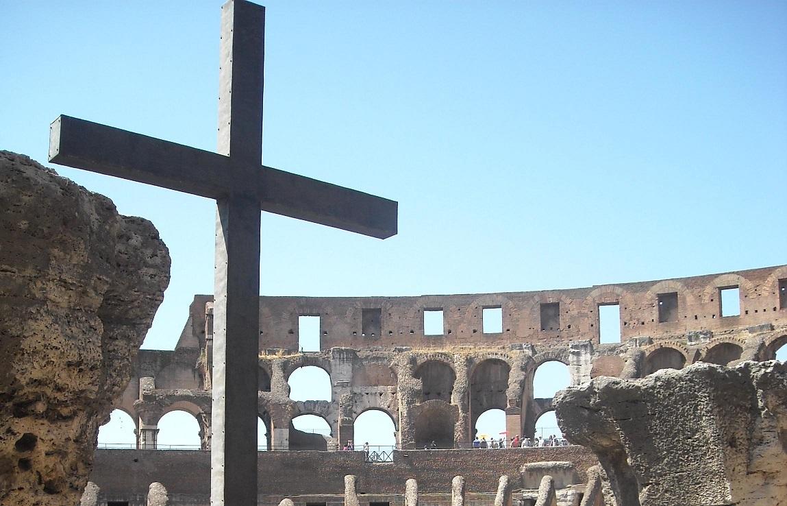 КРЕСТНЫЙ ПУТЬ В КОЛИЗЕЕ. Размышления и молитвы Йозефа Ратцингера