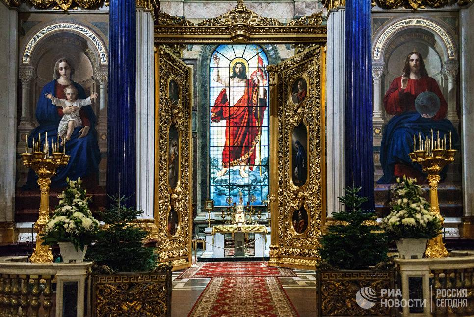 Спецпредставитель президента РФ считает неправильной передачу Исаакия РПЦ без одобрения петербуржцев
