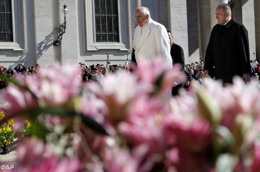 Чтобы принять смерть Иисуса, не нужна вера, в воскресение же необходимо уверовать. Общая аудиенция 19 апреля