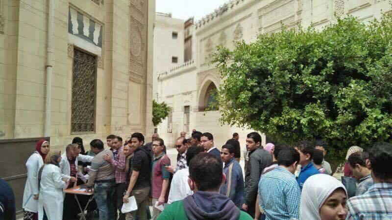 В Египте после терактов мусульмане превратили мечети в пункты сдачи крови для христиан