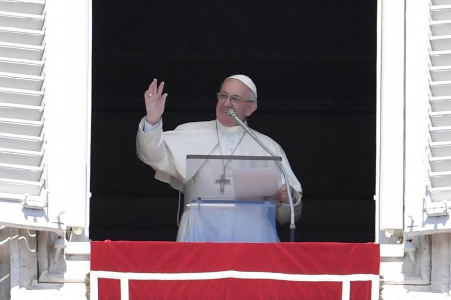 Папа Франциск обратился к верным во второй день Пасхальных торжеств: «Мы призваны стать новыми людьми и свидетельствовать о ценности жизни»