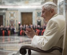 К 90-летию Бенедикта XVI в Ватикане издана книга трудов лауреатов Ратцингеровской премии