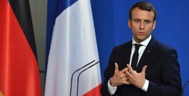 Папа поздравил Э. Макрона со вступлением в должность президента Франции