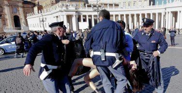 Итальянский суд оправдал активисток «Фемен», пытавшихся сорвать папскую аудиенцию