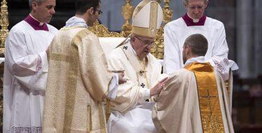 Папа – новорукоположенным пресвитерам: будьте пастырями, а не государственными клириками