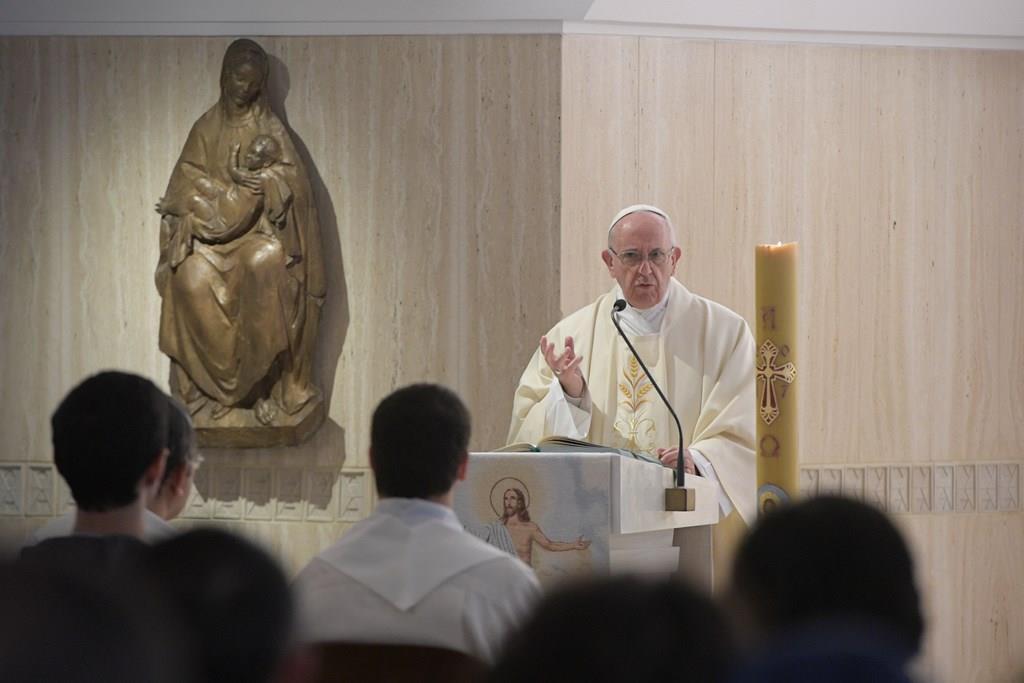 Папа: веру и нравственность можно понять только в пути