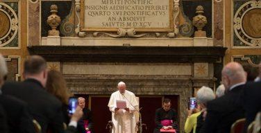 Папа: поиск альтернативных концепций экономики содействует строительству свободного и гармоничного общества