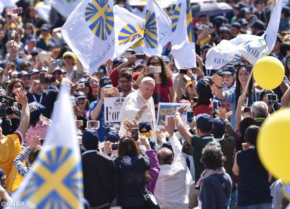 Папа — «Католическому действию»: оставьте свои диваны и выходите на периферии