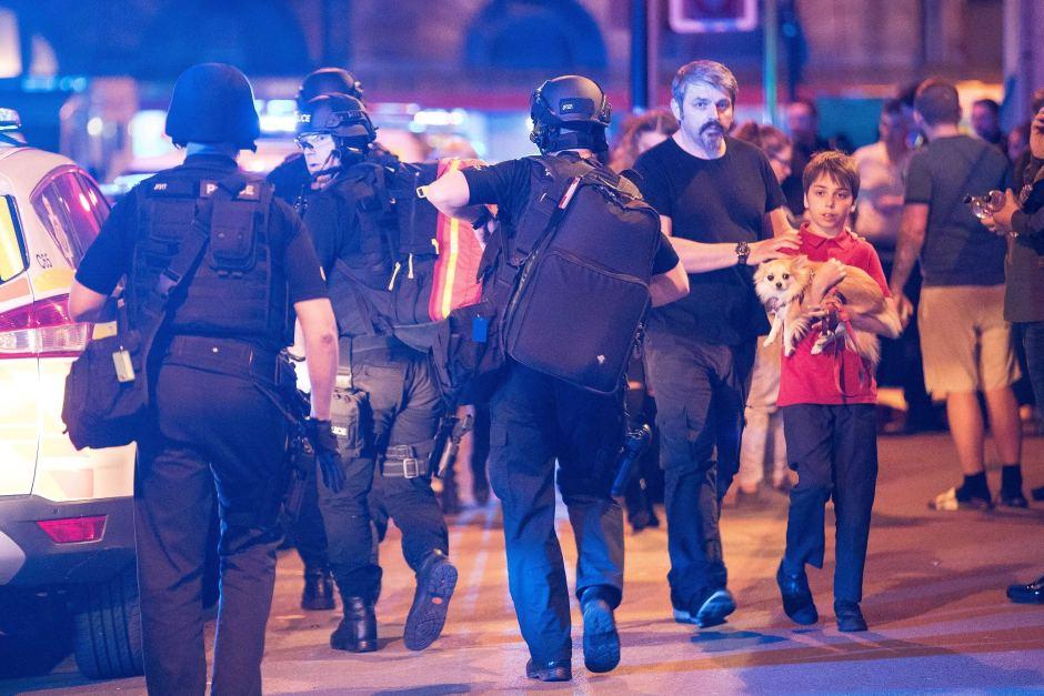 Теракт в Манчестере: число погибших увеличилось до 22. Среди погибших — дети