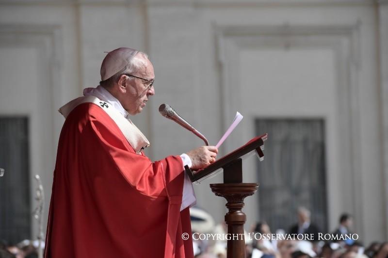 Проповедь Папы на торжество Первоверховных Апостолов Петра и Павла: мир предпочитает не замечать преследований христиан