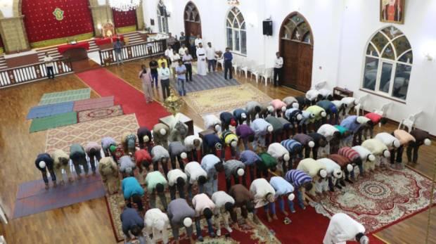 Сиро-Яковитская Церковь провела в своем храме в Абу-Даби намаз для гастарбайтеров из Азии