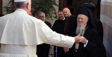 Папа Римский Франциск поздравил Вселенского Патриарха Варфоломея в день его тезоименитства