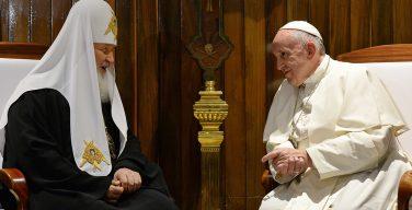 Патриарх Кирилл отмечает интенсификацию отношений с католиками после его встречи с Папой