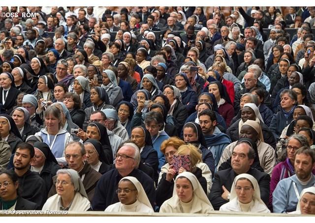 Встреча представителей новых форм посвященной Богу жизни завершилась в Риме